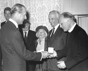 Prince Philip gives the 1987 Templeton Prize to Stanley Jaki