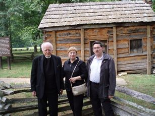 2007 – Hodgenville, KY – in a Lincoln site, with Antonio Colombo and Becky Mayhew