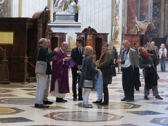 The following day, Saturday 6 April, inside St Peter's Basilica, waiting for the group to reach the meeting point.